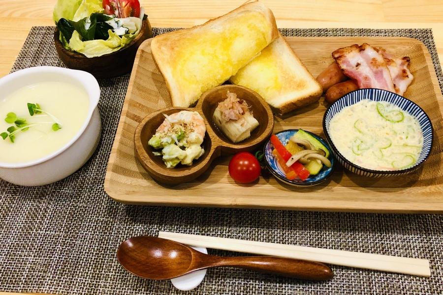 朝食(洋食)の写真